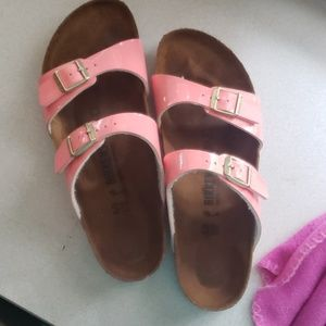 PINK PATENT LEATHER BIRKENSTOCKS SIZE 40 10 us